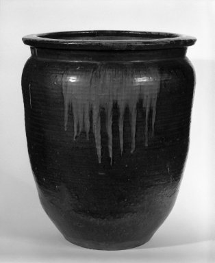 <em>Wide-Mouthed Storage Jar</em>, 18th century. Takatori ware, 18 1/2 x 15 1/2 in. (47 x 39.4 cm). Brooklyn Museum, Gift of Robert S. Anderson, 81.274.2. Creative Commons-BY (Photo: Brooklyn Museum, 81.274.2_bw.jpg)