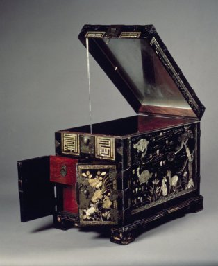 <em>Box</em>, 19th century. Black lacquer and mother-of-pearl over hemp cloth, on wood; brass fitting, 12 3/8 x 15 3/8 x 9 5/16 in. (31.5 x 39 x 23.6 cm). Brooklyn Museum, Gift of Robert S. Anderson, 81.274.4. Creative Commons-BY (Photo: Brooklyn Museum, 81.274.4.jpg)