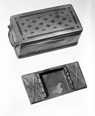 <em>Beetle Box</em>. Brass and copper, 3 1/8 x 2 3/4 x 6 3/16 in. (8 x 7 x 15.7 cm). Brooklyn Museum, Gift of Mrs. William R. Maris, 81.45.1. Creative Commons-BY (Photo: Brooklyn Museum, 81.45.1_bw.jpg)