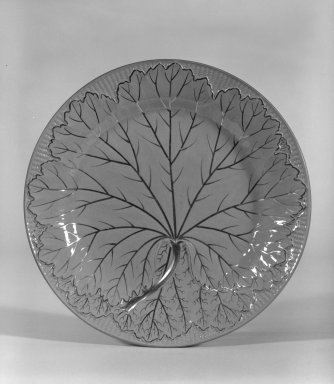 Josiah Wedgwood & Sons Ltd. (founded 1759). <em>Plate</em>, ca. 1810. Glazed earthenware, gilt, 7/8 x 8 x 8 in. (2.2 x 20.3 x 20.3 cm). Brooklyn Museum, Gift of Dr. and Mrs. George Liberman, 81.6.1. Creative Commons-BY (Photo: Brooklyn Museum, 81.6.1_bw.jpg)