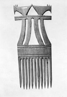 Dida. <em>Comb</em>, late 19th or early 20th century. Ivory, 4 in. (9.8 cm). Brooklyn Museum, Gift of Eric Robertson, 81.9. Creative Commons-BY (Photo: Brooklyn Museum, 81.9_bw.jpg)