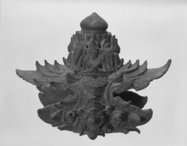 <em>Palanquin Fitting</em>, late 12th-13th century. Bronze, 5 x 6 in. (12.7 x 15.2 cm). Brooklyn Museum, Gift of Dr. Henry J. Fischer, 82.175.24. Creative Commons-BY (Photo: Brooklyn Museum, 82.175.24_side1_bw.jpg)
