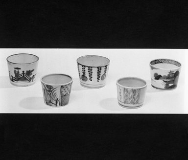 <em>Sauce Cup</em>, 18th-early 19th century. Porcelain, approx. 2 1/8 x 3 in. (5.4 x 7.6 cm). Brooklyn Museum, Gift of Dr. Henry J. Fischer, 82.175.8. Creative Commons-BY (Photo: , 82.175.2_.4_.8_.9_.10_bw_SL4.jpg)