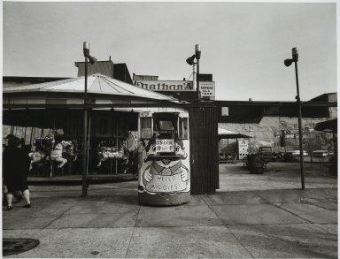 "Stephen Salmieri (American, born 1945). <em>""Coney Island,""</em> 1969. Gelatin silver photograph Brooklyn Museum, Gift of Edward Klein, 82.201.1. © artist or artist's estate (Photo: Brooklyn Museum, 82.201.1_PS2.jpg)"