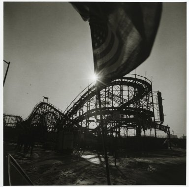 "Stephen Salmieri (American, born 1945). <em>""Coney Island,""</em> 1969. Gelatin silver photograph Brooklyn Museum, Gift of Edward Klein, 82.201.25. © artist or artist's estate (Photo: Brooklyn Museum, 82.201.25_PS2.jpg)"