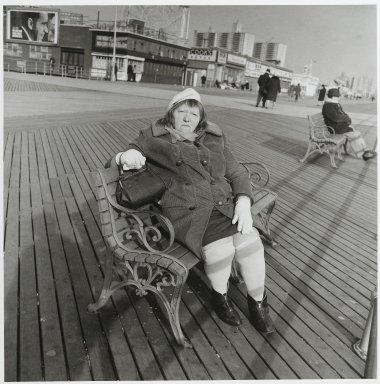 "Stephen Salmieri (American, born 1945). <em>""Coney Island,""</em> 1969. Gelatin silver photograph, image: 10 1/8 x 10 in. (25.7 x 25.4 cm). Brooklyn Museum, Gift of Edward Klein, 82.201.2. © artist or artist's estate (Photo: Brooklyn Museum, 82.201.2_PS2.jpg)"