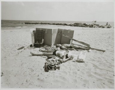 "Stephen Salmieri (American, born 1945). <em>""Coney Island,""</em> 1969. Gelatin silver photograph Brooklyn Museum, Gift of Edward Klein, 82.201.33. © artist or artist's estate (Photo: Brooklyn Museum, 82.201.33_PS2.jpg)"
