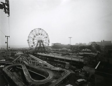 Stephen Salmieri (American, born 1945). <em>Coney Island</em>, 1969. Gelatin silver photograph, sheet: 11 x 14 in. (27.9 x 35.6 cm). Brooklyn Museum, Gift of Edward Klein, 82.201.46. © artist or artist's estate (Photo: Brooklyn Museum, 82.201.46_PS2.jpg)