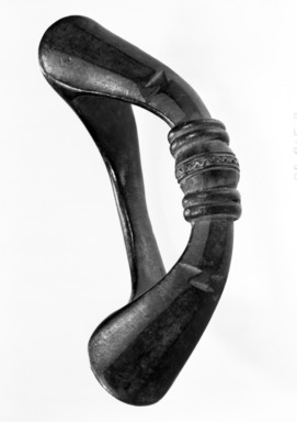 Senufo. <em>Anklet (Tolo Kajin)</em>, late 19th or early 20th century. Copper alloy, 3 x 7 3/4 x 4 1/4 in. (7.6 x 19.7 x 10.8 cm). Brooklyn Museum, Gift of Mr. and Mrs. Arnold Syrop, 82.215.8. Creative Commons-BY (Photo: Brooklyn Museum, 82.215.8_bw.jpg)