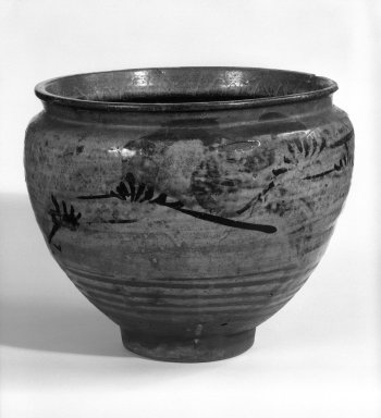 <em>Basin</em>, 17th century. Stoneware, Futagawa ware Brooklyn Museum, Gift of Dr. Fred S. Hurst, 82.223.21. Creative Commons-BY (Photo: Brooklyn Museum, 82.223.21_bw.jpg)