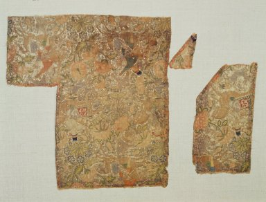 <em>Textile Fragment with Pattern of Hunters and Falcons</em>, 18th century. Silk, gold foil, and silver wrapped silk, 8 1/4 x 8 in. (21 x 20.3 cm). Brooklyn Museum, Gift of Dr. Virgil H. Bird, 82.234.2. Creative Commons-BY (Photo: Brooklyn Museum, 82.234.2.jpg)