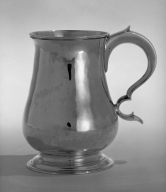 Philip Syng Jr.. <em>Cann</em>, ca. 1770. Silver, height: 5 5/16 in. (14.3 cm); diameter of lip: 3 5/16 in.  (8.4 cm); diameter of base: 3 5/8 in. ( 9.2 cm) . Brooklyn Museum, Gift of Wunsch Foundation, Inc., 82.243.1. Creative Commons-BY (Photo: Brooklyn Museum, 82.243.1_bw.jpg)