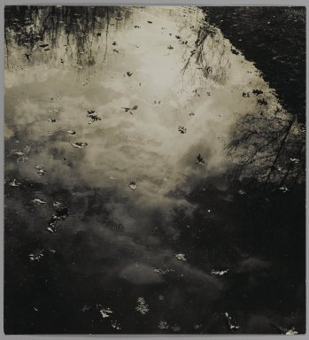 Consuelo Kanaga (American, 1894-1978). <em>[Untitled]</em>. Gelatin silver photograph, 11 5/8 x 10 3/4 in. (29.5 x 27.3 cm). Brooklyn Museum, Gift of Wallace B. Putnam from the Estate of Consuelo Kanaga, 82.65.106 (Photo: Brooklyn Museum, 82.65.106_PS1.jpg)