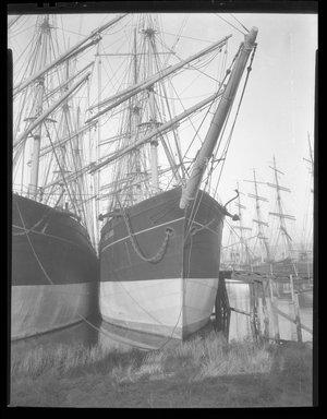 Consuelo Kanaga (American, 1894-1978). <em>[Untitled]</em>. Negative, 8 1/4 x 6 1/4 in. (21 x 15.9 cm). Brooklyn Museum, Gift of Wallace B. Putnam from the Estate of Consuelo Kanaga, 82.65.1996 (Photo: Brooklyn Museum, 82.65.1996.jpg)