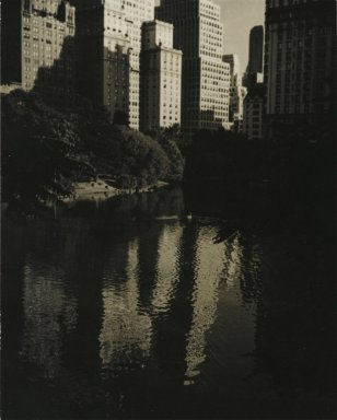 Consuelo Kanaga (American, 1894-1978). <em>[Untitled] (Central Park)</em>. Gelatin silver photograph, 4 3/4 x 3 3/4 in. (12.1 x 9.5 cm). Brooklyn Museum, Gift of Wallace B. Putnam from the Estate of Consuelo Kanaga, 82.65.216 (Photo: Brooklyn Museum, 82.65.216_PS2.jpg)
