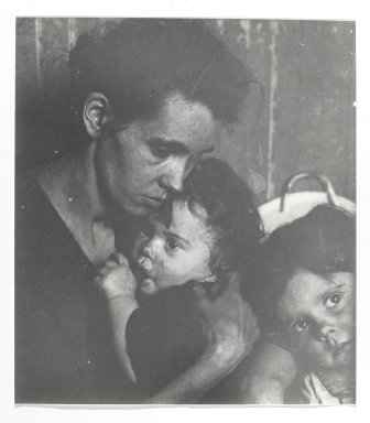 Consuelo Kanaga (American, 1894-1978). <em>[Untitled] (Woman with Children)</em>. Gelatin silver photograph Brooklyn Museum, Gift of Wallace B. Putnam from the Estate of Consuelo Kanaga, 82.65.313 (Photo: Brooklyn Museum, 82.65.313_PS2.jpg)