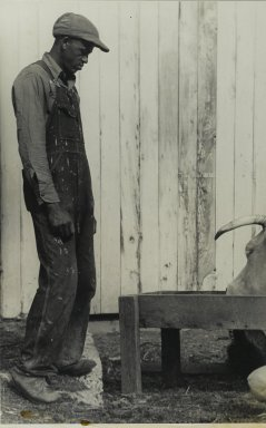 Consuelo Kanaga (American, 1894-1978). <em>[Untitled] (Tennessee Farmer)</em>. Gelatin silver photograph, 10 7/8 x 6 7/8 in. (27.6 x 17.5 cm). Brooklyn Museum, Gift of Wallace B. Putnam from the Estate of Consuelo Kanaga, 82.65.359 (Photo: Brooklyn Museum, 82.65.359_PS2.jpg)