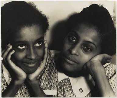 Consuelo Kanaga (American, 1894-1978). <em>Two Women, Harlem</em>, mid-late 1930s. Toned gelatin silver photograph, 9 7/8 x 11 3/4 in. (25.1 x 29.8 cm). Brooklyn Museum, Gift of Wallace B. Putnam from the Estate of Consuelo Kanaga, 82.65.424 (Photo: Brooklyn Museum, 82.65.424_PS1.jpg)