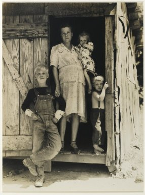 Consuelo Kanaga (American, 1894-1978). <em>[Untitled] (Farm Family)</em>, 1930s. Toned gelatin silver photograph, Image: 9 1/8 x 6 7/8 in. (23.2 x 17.5 cm). Brooklyn Museum, Gift of Wallace B. Putnam from the Estate of Consuelo Kanaga, 82.65.451 (Photo: Brooklyn Museum, 82.65.451_PS2.jpg)