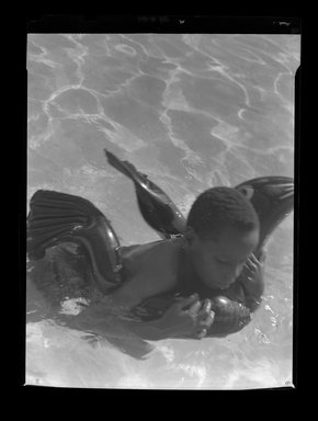 Consuelo Kanaga (American, 1894-1978). <em>[Untitled]</em>. Negative, 3 x 4 in. (7.6 x 10.2 cm). Brooklyn Museum, Gift of Wallace B. Putnam from the Estate of Consuelo Kanaga, 82.65.639 (Photo: Brooklyn Museum, 82.65.639.jpg)