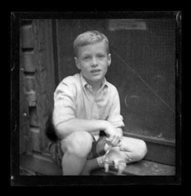 Consuelo Kanaga (American, 1894-1978). <em>[Untitled]</em>. Negative, 3 1/8 x 4 1/4 in. (7.9 x 10.8 cm). Brooklyn Museum, Gift of Wallace B. Putnam from the Estate of Consuelo Kanaga, 82.65.723 (Photo: Brooklyn Museum, 82.65.723.jpg)