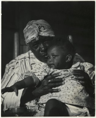 Consuelo Kanaga (American, 1894-1978). <em>[Untitled] (Woman and Child)</em>. Gelatin silver photograph, Image: 4 x 3 1/4 in. (10.2 x 8.3 cm). Brooklyn Museum, Gift of Wallace B. Putnam from the Estate of Consuelo Kanaga, 82.65.98 (Photo: Brooklyn Museum, 82.65.98_PS2.jpg)