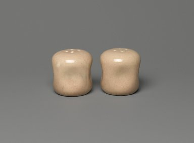 Russel Wright (American, 1904-1976). <em>Salt Shaker, American Modern Pattern</em>, Designed 1937; manufactured 1939-1959. Glazed earthenware, 1 15/16 x 1 3/4 in. (4.9 x 4.4 cm). Brooklyn Museum, Gift of Paul F. Walter, 83.108.43. Creative Commons-BY (Photo: , 83.108.42_83.108.43_PS2.jpg)