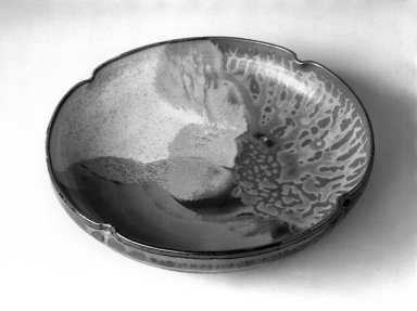 Onimaru Setsuzan (Japanese, 1912-1996). <em>Kashibachi (Tea Ceremony Cake Dish)</em>, ca. 1960. Takatori ware, stoneware, 1 7/8 x 8 1/4 in. (4.8 x 21 cm). Brooklyn Museum, Gift of Mr. and Mrs. Richard Sneider, 83.173.3. Creative Commons-BY (Photo: Brooklyn Museum, 83.173.3_bw.jpg)