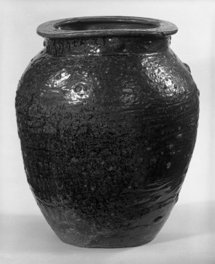 <em>Kame (Wide-Mouthed Storage Jar)</em>, 17th century. Stoneware, Echizen ware, 14 1/2 x 13 in. (36.8 x 33 cm). Brooklyn Museum, Gift of Robert S. Anderson, 83.176.5. Creative Commons-BY (Photo: Brooklyn Museum, 83.176.5_bw.jpg)