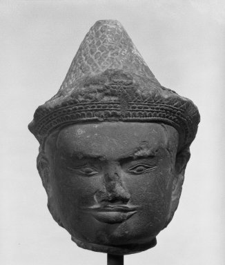 <em>Head of a Deity</em>, 12th century. Stone, 4 3/4 x 3 1/2 in. (12.1 x 8.9 cm). Brooklyn Museum, Gift of Joseph Barrios, 83.178.1. Creative Commons-BY (Photo: Brooklyn Museum, 83.178.1_bw.jpg)