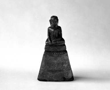 <em>Ayudhya Buddha Image, 3 of 3</em>, 17th century. Wood and silver, H: 3 3/4 in. (9.5 cm). Brooklyn Museum, Gift of Dr. Joel Canter, 83.181.15. Creative Commons-BY (Photo: Brooklyn Museum, 83.181.15_bw.jpg)