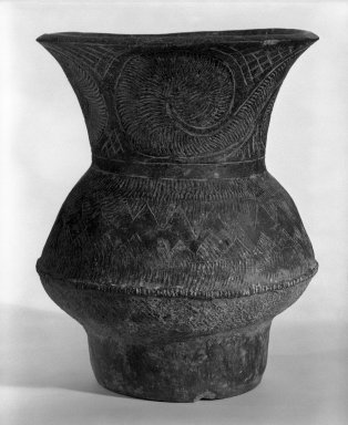 <em>Jar</em>, 4th millenium B.C. Earthenware, Ban Chieng pottery Brooklyn Museum, Gift of Dr. and Mrs. Jerome Krieger, 83.187.1. Creative Commons-BY (Photo: Brooklyn Museum, 83.187.1_bw.jpg)
