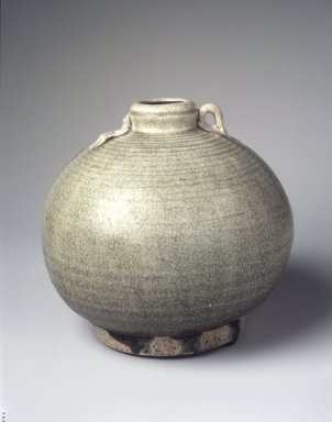 <em>Sawankhalok Celadon Bottle</em>, 15th-16th century. Stoneware with gray-green celadon glaze, 6 1/4 x 6 3/4 in. (15.9 x 17.1 cm). Brooklyn Museum, Gift of Dr. and Mrs. Jerome Krieger, 83.187.3. Creative Commons-BY (Photo: Brooklyn Museum, 83.187.3_transp6294.jpg)