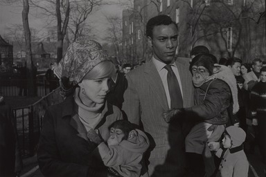 Garry Winogrand (American, 1928-1984). <em>Central Park Zoo-New York, New York</em>, 1967; reprinted 1974. Gelatin silver photograph, Other (Mount): 14 3/4 x 19 3/4 in. (37.5 x 50.2 cm). Brooklyn Museum, Gift of Renata Shapiro, 83.266.10. © artist or artist's estate (Photo: , 83.266.10_PS9.jpg)
