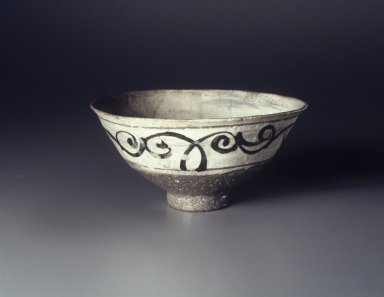 <em>Bowl</em>, last half of 15th-first half of 16th century. Buncheong ware, stoneware with underglaze white slip and iron-painted decoration, Height: 3 3/8 in. (8.5 cm). Brooklyn Museum, Anonymous gift, 83.32.5. Creative Commons-BY (Photo: Brooklyn Museum, 83.32.5_transp4194.jpg)