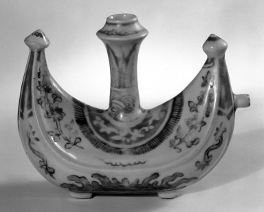 <em>Boat-Shaped Wine Vessel (Zun)</em>, late 15th-early 16th century. Porcelain with polychrome overglaze enamels (wucai), 4 1/2 x 3 1/2 x 7 1/2 in. (11.4 x 8.9 x 19.1 cm). Brooklyn Museum, Gift of Mr. and Mrs. Donald Farm, 84.135.2. Creative Commons-BY (Photo: Brooklyn Museum, 84.135.2_bw.jpg)
