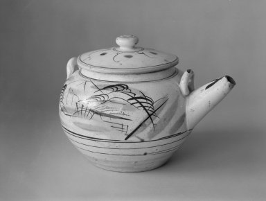"<em>Ko-Mashiko Ware Mado-e Dobin ""Window Picture"" Teapot</em>, ca. 1915-35. Stoneware, 6 3/4 x 9 1/2 in. (17.1 x 24.1 cm). Brooklyn Museum, Gift of Dr. John P. Lyden, 84.139.12a-b. Creative Commons-BY (Photo: Brooklyn Museum, 84.139.12a-b_bw.jpg)"