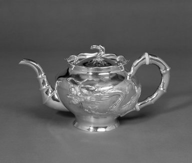 Lianchang. <em>Export Teapot and Sugar Bowl</em>, early 20th century. Silver, 5 1/4 x 10 1/2 in. (13.3 x 26.7 cm). Brooklyn Museum, Gift of Stanley J. Love, 84.195.22. Creative Commons-BY (Photo: Brooklyn Museum, 84.195.22_bw.jpg)
