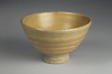 Seong-Kil Seo (born 1910). <em>Bowl</em>, 20th century. Porcelain, glaze, Height: 3 5/8 in. (9.2 cm). Brooklyn Museum, Gift of Dr. Kenneth Rosenbaum, 84.203.13. Creative Commons-BY (Photo: Brooklyn Museum, 84.203.13.jpg)