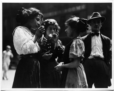 Lewis Wickes Hine (American, 1874-1940). <em>Lunchtime,  New York</em>, 1915. Gelatin silver photograph, image: 10 1/2 x 13 1/2 in. (26.7 x 34.3 cm). Brooklyn Museum, Gift of Walter and Naomi Rosenblum, 84.237.4 (Photo: Brooklyn Museum, 84.237.4_bw.jpg)