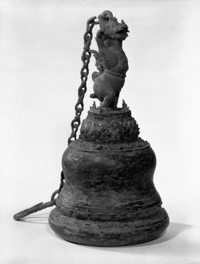 <em>Ritual Bell</em>, 13th-15th century. Bronze, 11 x 6 in. (27.9 x 15.2 cm). Brooklyn Museum, Gift of Dr. Jack Hentel, 84.254.1. Creative Commons-BY (Photo: Brooklyn Museum, 84.254.1_bw.jpg)