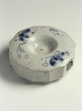 <em>Water Dropper</em>, 19th century. Porcelain with cobalt blue underglaze decoration, Height: 1 7/16 in. (3.7 cm). Brooklyn Museum, Gift of John M. Lyden, 84.262.31. Creative Commons-BY (Photo: Brooklyn Museum, 84.262.31.jpg)