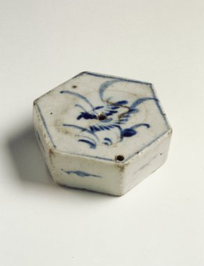 <em>Water Dropper</em>, 19th century. Porcelain with cobalt blue underglaze decoration, Height: 7/8 in. (2.2 cm). Brooklyn Museum, Gift of John M. Lyden, 84.262.34. Creative Commons-BY (Photo: Brooklyn Museum, 84.262.34.jpg)