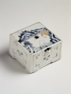 <em>Water Dropper</em>, last half of 19th century. Porcelain with cobalt blue underglaze decoration, 1 11/16 x 2 1/2 in. (4.3 x 6.4 cm). Brooklyn Museum, Gift of John M. Lyden, 84.262.35. Creative Commons-BY (Photo: Brooklyn Museum, 84.262.35.jpg)