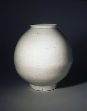 <em>Jar</em>, late 18th-19th century. Porcelain with glaze, 11 3/4 x 11in. (29.8 x 27.9cm). Brooklyn Museum, Gift of John M. Lyden, 84.262.8. Creative Commons-BY (Photo: Brooklyn Museum, 84.262.8_transp4287.jpg)