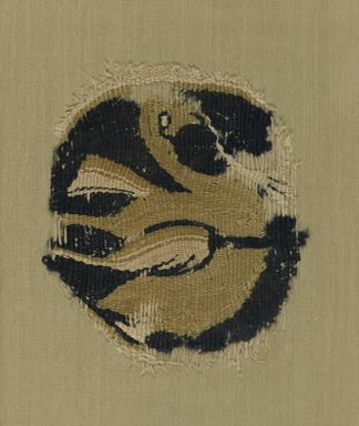 <em>Bird in a Medallion</em>, late 9th-early 10th century. Linen, tapestry-woven, 4 7/16 x 3 3/4 in. (11.3 x 9.5 cm). Brooklyn Museum, Gift of Dr. Virgil H. Bird, 84.270. Creative Commons-BY (Photo: Brooklyn Museum, 84.270_PS1.jpg)