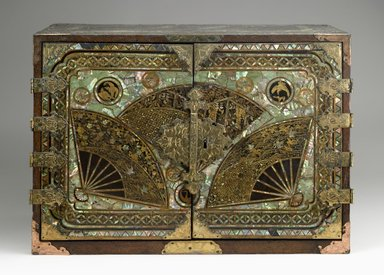 <em>Export Portable Desk (Bargueño)</em>, late 16th-early 17th century. Lacquer with gold flecks, mother-of-pearl inlay, metal fittings, 17 5/16 x 24 7/8 x 13 9/16 x 24 1/2 in. (44 x 63.2 x 34.5 x 62.2 cm). Brooklyn Museum, Gift of Dr. and Mrs. John P. Lyden, 84.69.1. Creative Commons-BY (Photo: Brooklyn Museum, 84.69.1_closed_PS6.jpg)