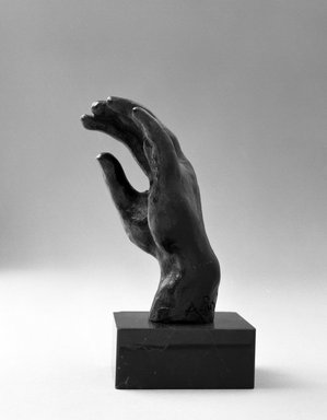 Auguste Rodin (French, 1840-1917). <em>Left Hand, Known as No. 19 (Main gauche, dite no 19)</em>, n.d. Bronze, 3 1/4 × 2 × 1 1/2 in. (8.3 × 5.1 × 3.8 cm). Brooklyn Museum, Gift of the Iris and B. Gerald Cantor Foundation, 84.75.16. Creative Commons-BY (Photo: Brooklyn Museum, 84.75.16_bw.jpg)
