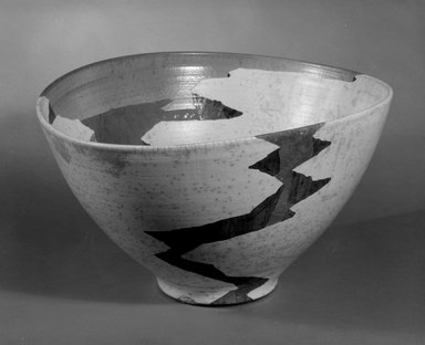 "Wayne Higby (American, born 1943). <em>""Trapped Terrace Gap"" Bowl</em>, ca. 1984. Glazed raku-fired earthenware, 10 1/2 x 18 1/2 x 16 in. (26.7 x 47 x 40.6 cm). Brooklyn Museum, This acquisition was made possible through the Louis Comfort Tiffany Foundation, 85.15.1. Creative Commons-BY (Photo: Brooklyn Museum, 85.15.1_bw.jpg)"