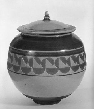 Jamie Davis (American, born 1945). <em>Covered Jar</em>, ca. 1976. Ceramic, 7 1/2 x 6 1/2 x 6 1/2 in. (19.1 x 16.5 x 16.5 cm). Brooklyn Museum, Gift of Robert J. Mehlman, 85.209a-b. Creative Commons-BY (Photo: Brooklyn Museum, 85.209a-b_bw.jpg)